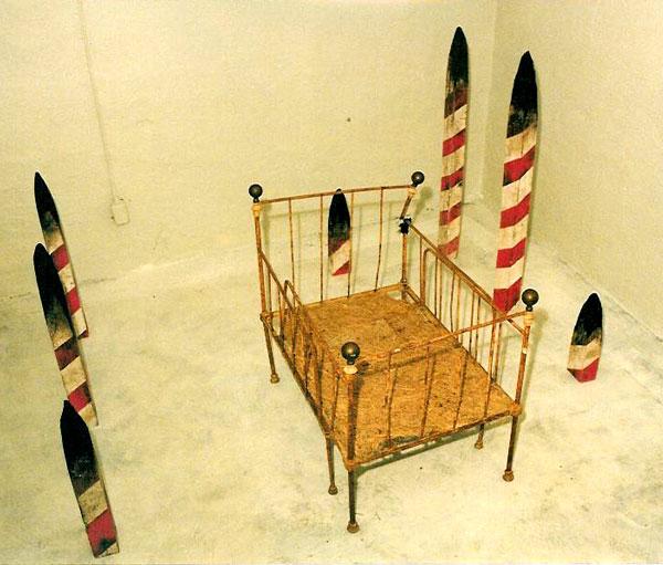 "Angränsande rum – Kalmar Konstmuseum 1992. Installation: Kåre Holgerson. Sound and music: Sten Sandell. ""Rede"""